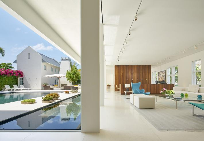 Podesta Residence: Exterior and Interior Split View