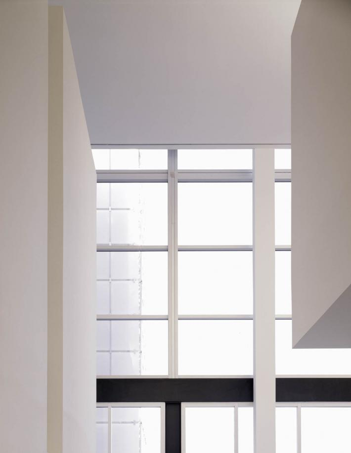 Racine Art Museum: Windows